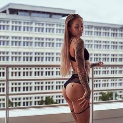 PROMEES www.promees.sk @promees.slovensko.cesko #cool #trendy #trendylook #trendyoutfits #dnesobliekam #dnesrobim #dnesnosimcz #dnesmilujem #dnesnosim #luxus #spodnabielizen #zijemelenraz #pictureoftheday #nikdynehovoržemášzlýdeň @sensual.laskowski @daria.gronkowska