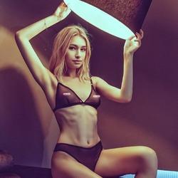 Catalina priesvitná podprsenka a priesvitné nohavičky PROMEES www.promees.sk @promees.official #dnesnosimcz #dnesnosim #cool #trendy #trendylook #trendyoutfits #spodnabielizen #luxus #girl #moda #modneveci #follow @klaudina_kali